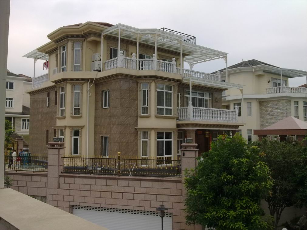 晋安居住主题公园毛坯房5室3厅3卫298万元出售