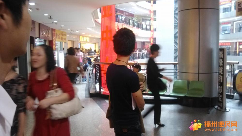电梯口 稀缺店面出租 门面漂亮 广告效果非常好 刚到期 福州台江区写字